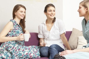 o-WOMEN-TALKING-ON-COUCH-